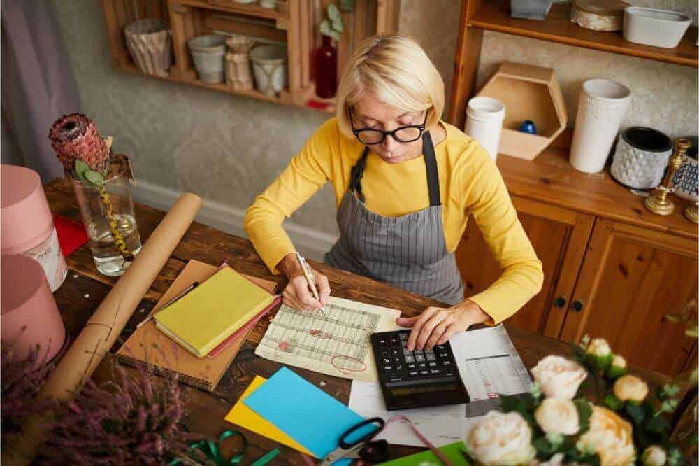 How Does Small Business Tax Work?: A Guide for Online Business Owners in 2021